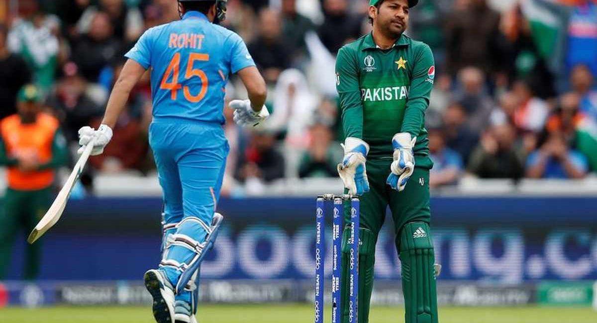 इंडिया से बुरी तरह हारने के बाद मायूस हुए पाकिस्तानी फैन्स अपने ही टीम को जमकर कर रहे हैं ट्रोल !