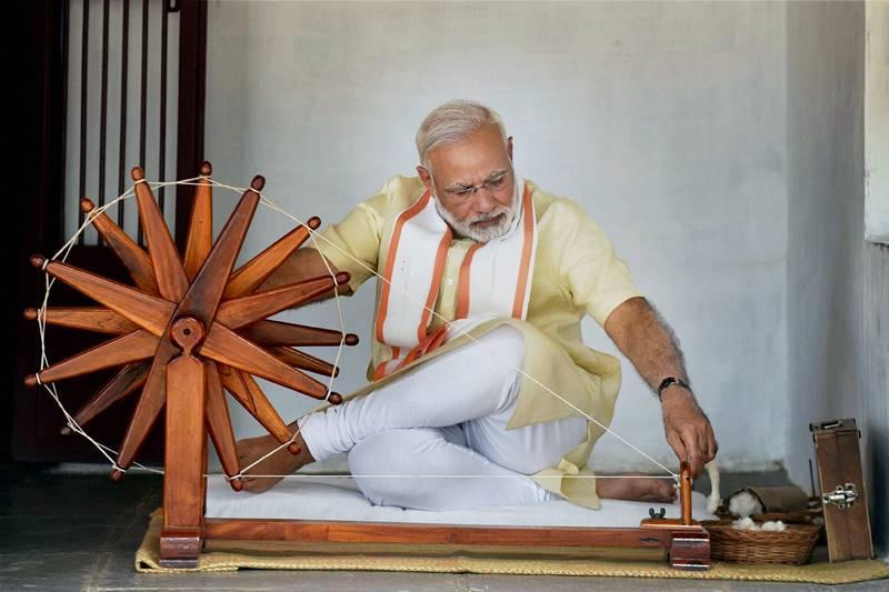 प्रधानमंत्री नरेंद्र मोदी की कुछ अनदेखी तस्वीरें और उनसे जुड़ी रोचक बातें !